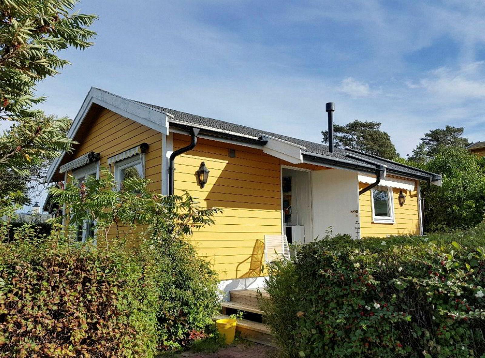 Småhytta på Lindøya ble solgt for 6,5 millioner kroner off market i september 2018.