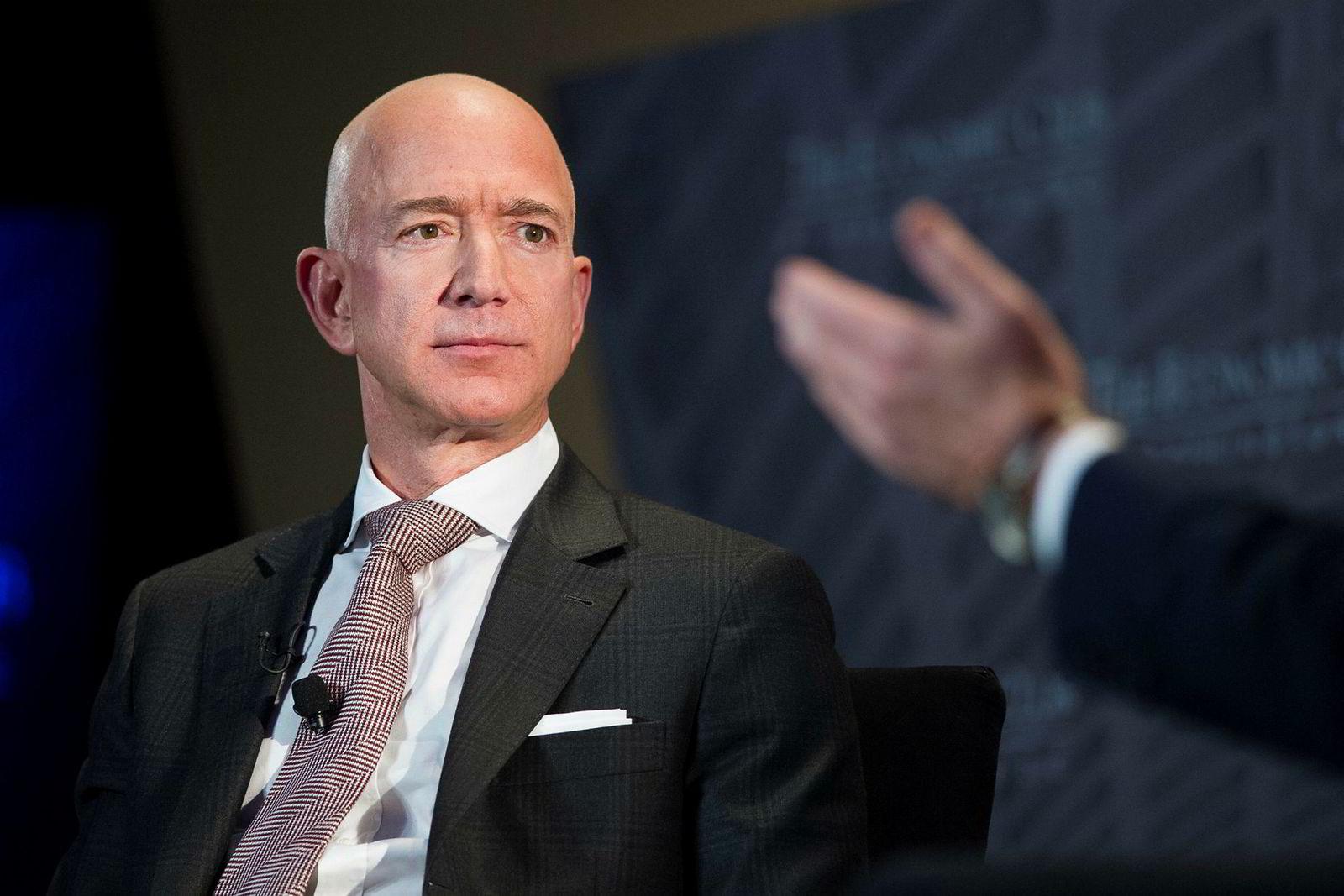 Jeff Bezos er grunnlegger og administrerende direktør i Amazon.