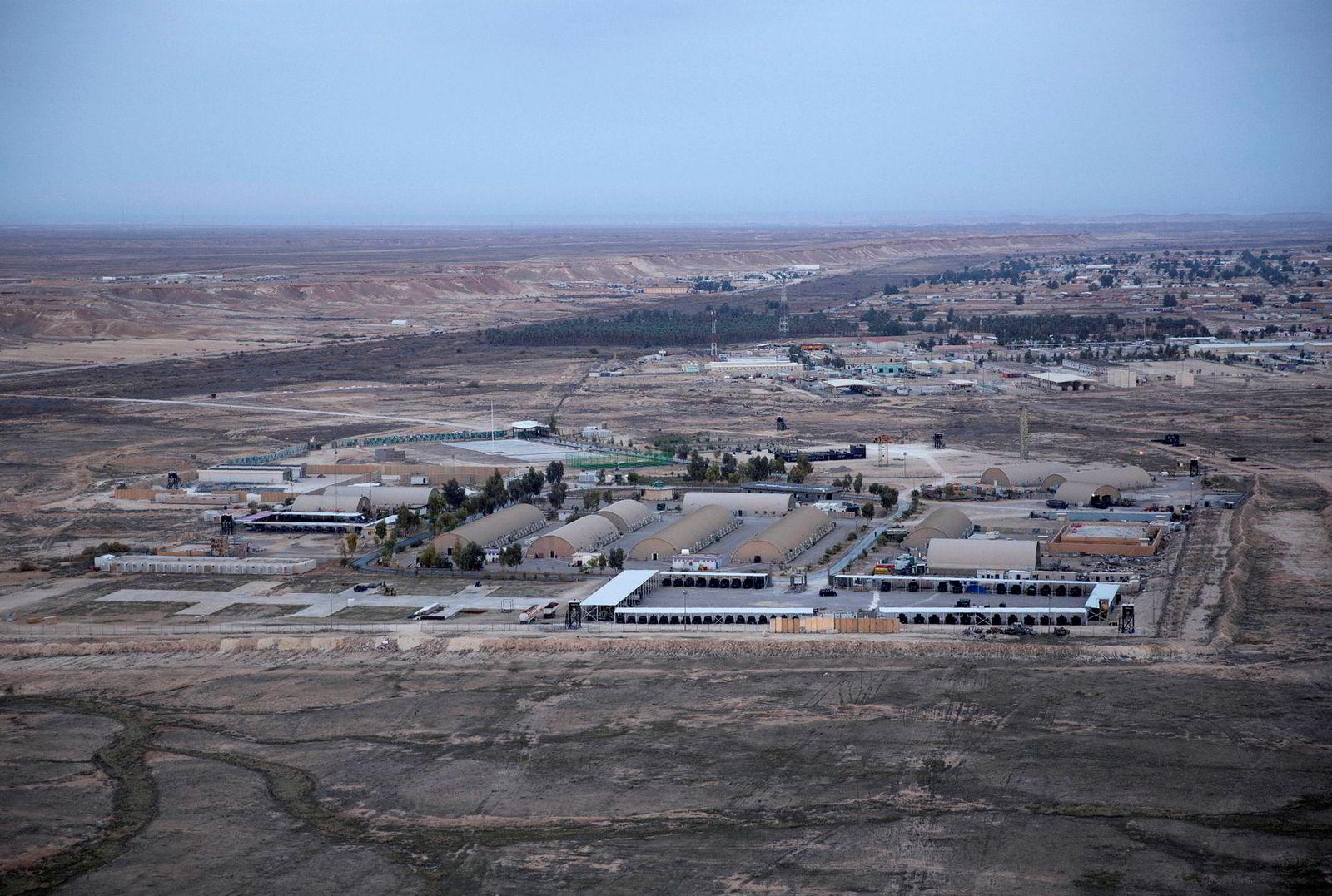 Natt til onsdag avfyrte Revolusjonsgarden i Iran en rekke missiler mot blant annet denne USA-ledede militærbasen, Ain al-Assad vest i landet.