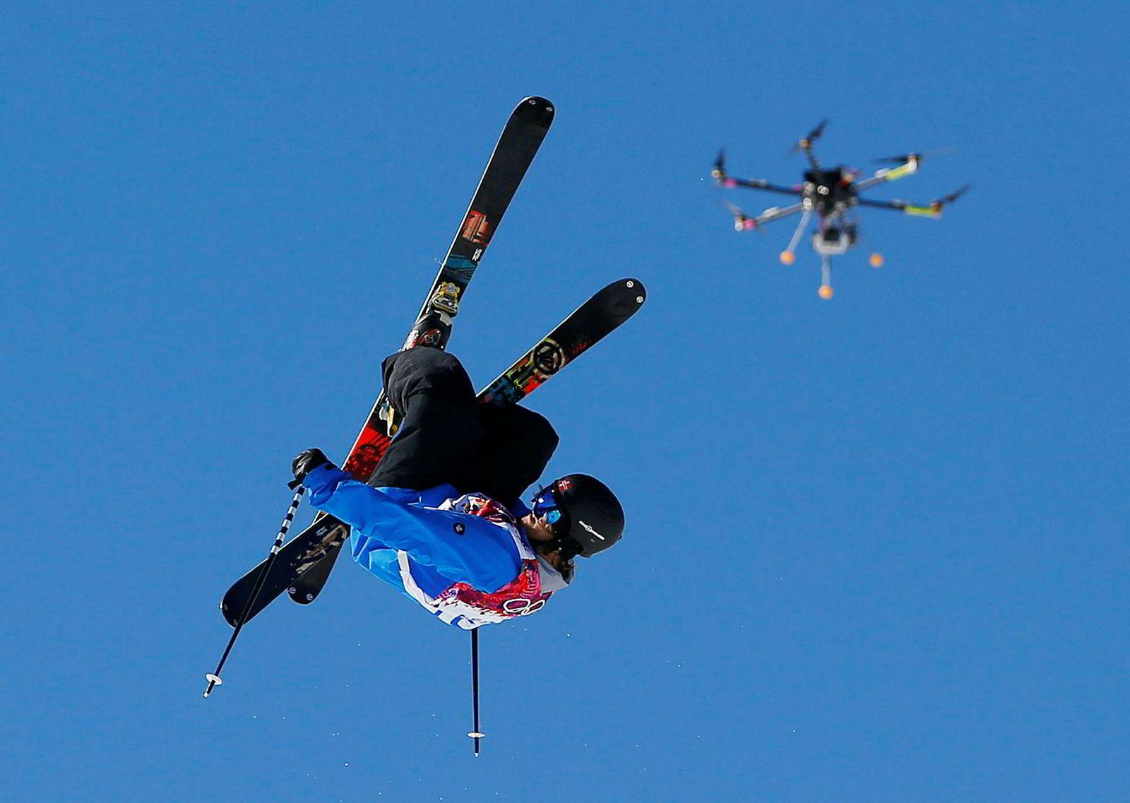 Vinter-OL i Russland i 2014 var første gangen en drone ble brukt til tv-dekningen av X Games. Her filmes norske Aleksander Aurdal. Foto: Sergej Grits/AP/NTB Scanpix