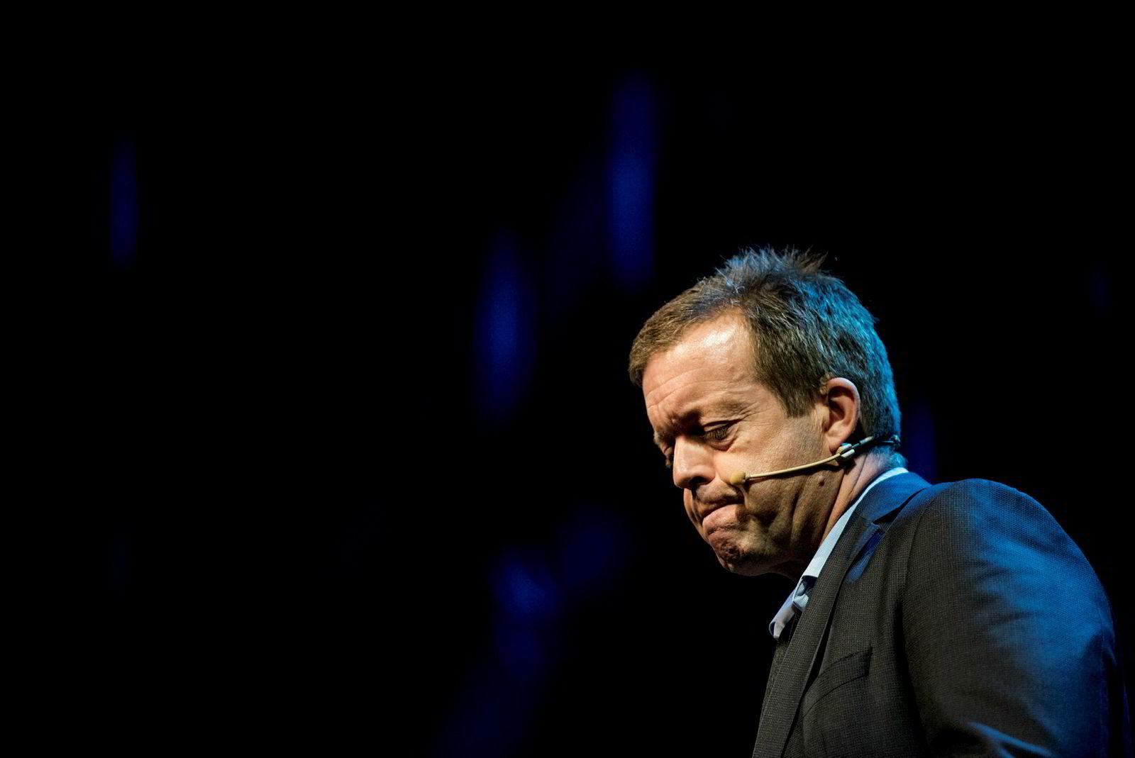 Alf-Helge Aarskog går av som konsernsjef etter nesten ti år.