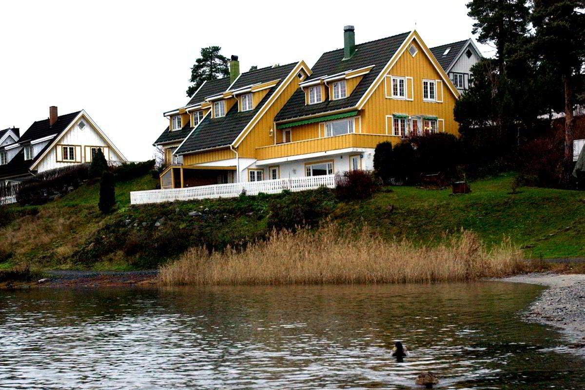 Partene krangler om utbygging av en bod i Miguel Sørholts villa på Snarøya.