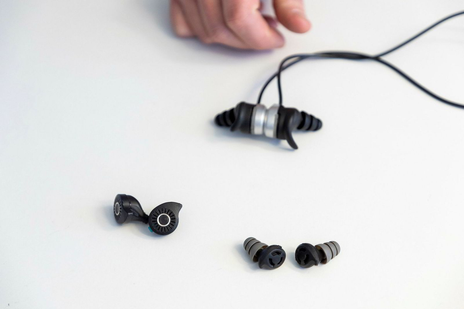 Prototyper på ulike varianter av hørselvern i proppeform. De minste er tiltenkt musikere.