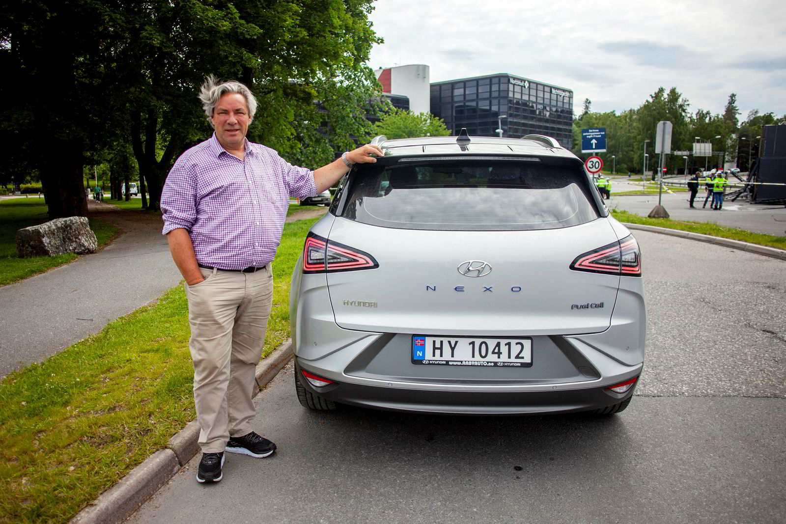 Huyndai Nexo har en rekkevidde på opptil 700 kilometer. Men dersom hydrogenstasjonene forblir stengt må Ulf Hafseld parkere bilen.
