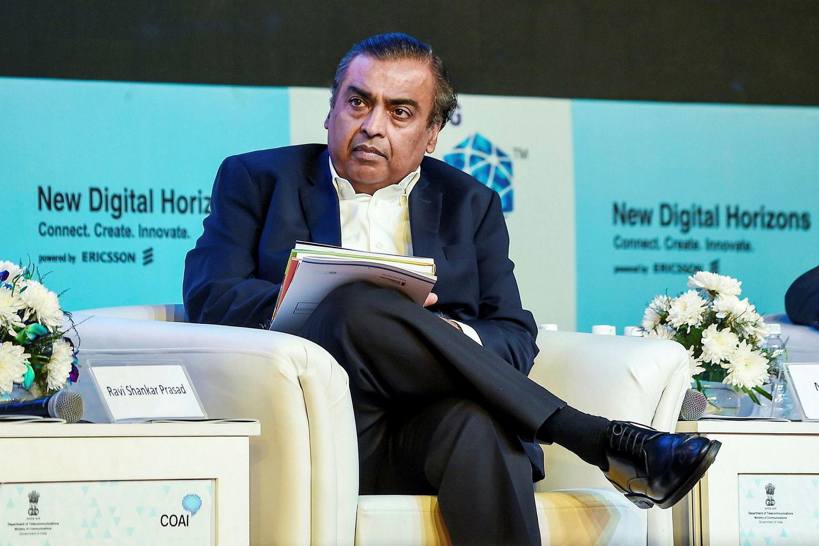 Indias rikeste mann Mukesh Ambani har mye av æren for at T-Series har vokst seg så stort. Han har gitt millioner av indere billig 4G-nettverk.