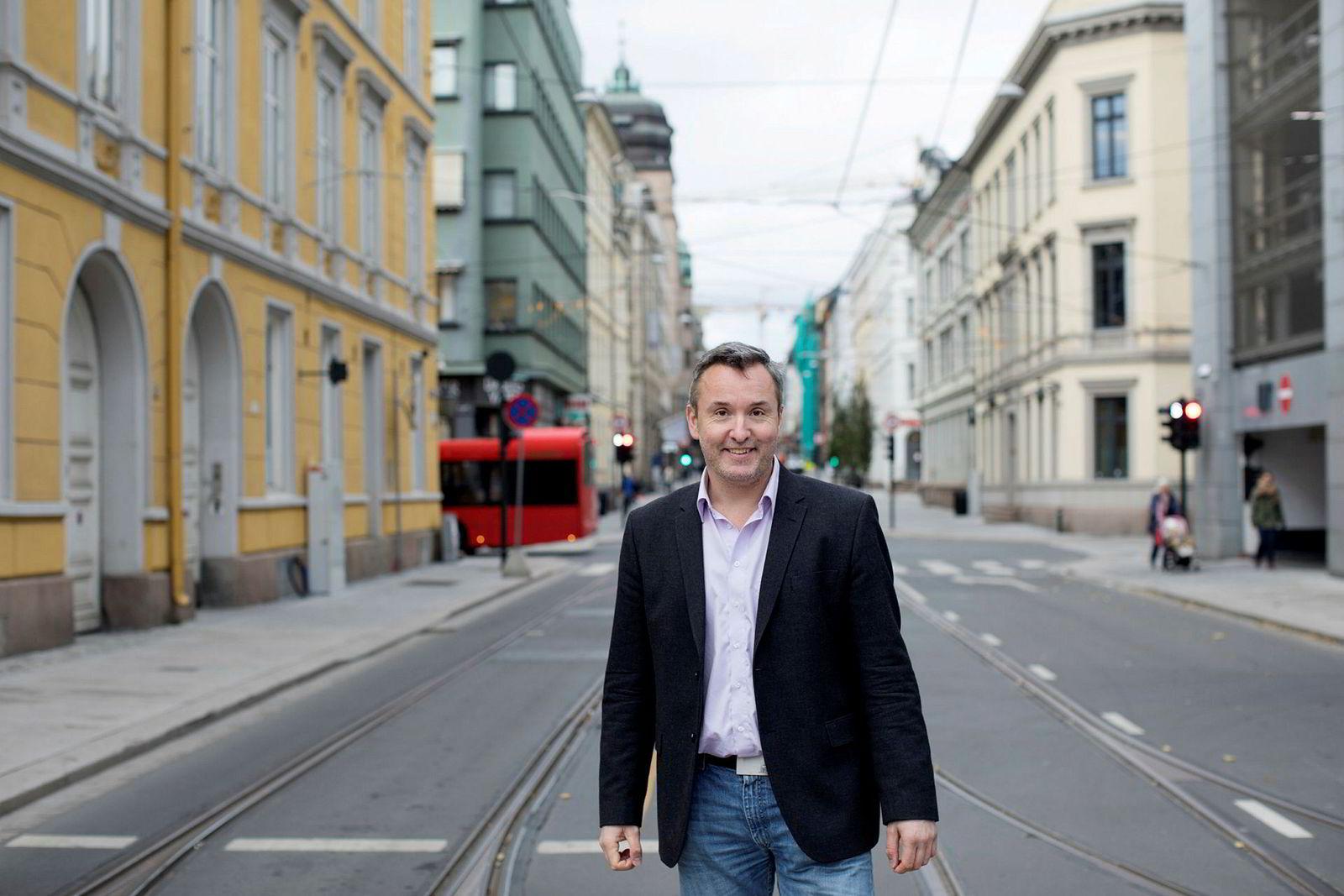 Hotellrådgiver Peter Wiederstrøm mener utviklingen er eventyrlig for hotellene i Oslo – og knallsterk i Stavanger.