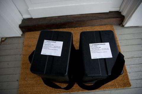 Selskapet har utviklet sine egne bokser, som skal sikre at brødene holder seg varme, samtidig som melken holder seg kald.