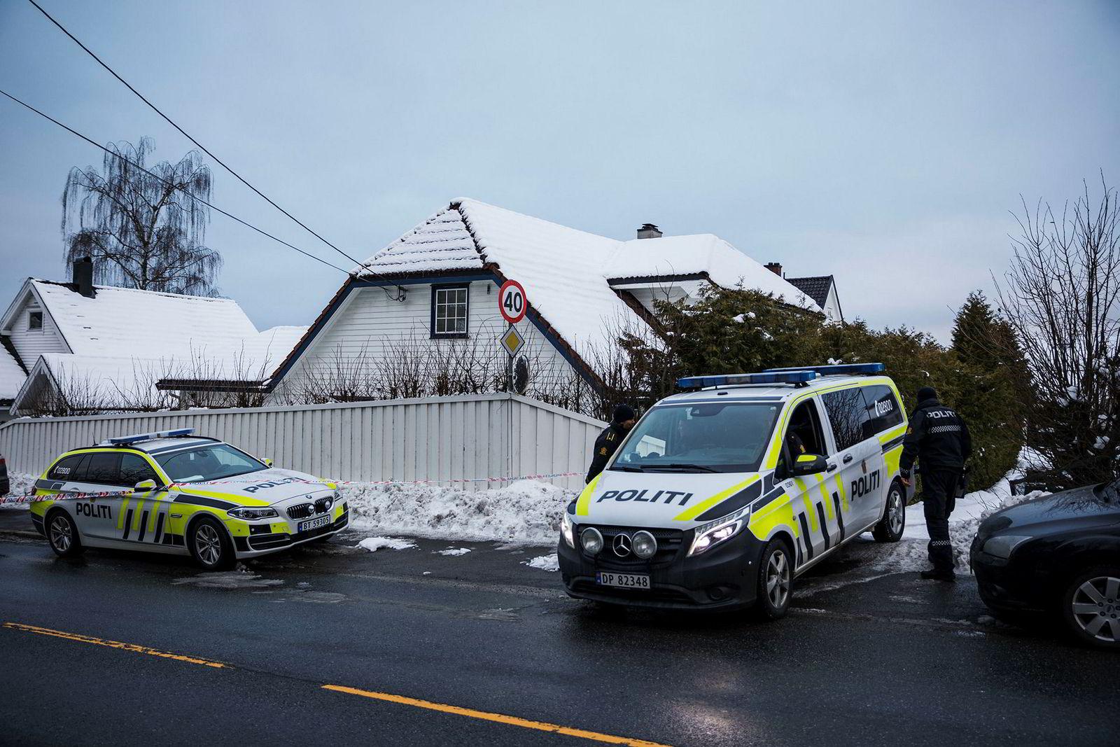 Politiet rykket ut til justisminister Tor Mikkel Wara sin bolig torsdag ettermiddag.