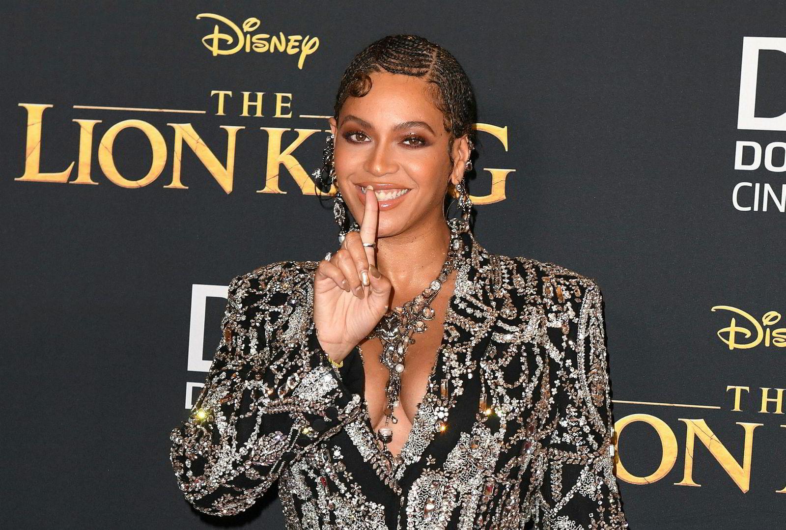 Beyonce spiller løven Nala som voksen. Her fra premieren av filmen tidligere i Juli.