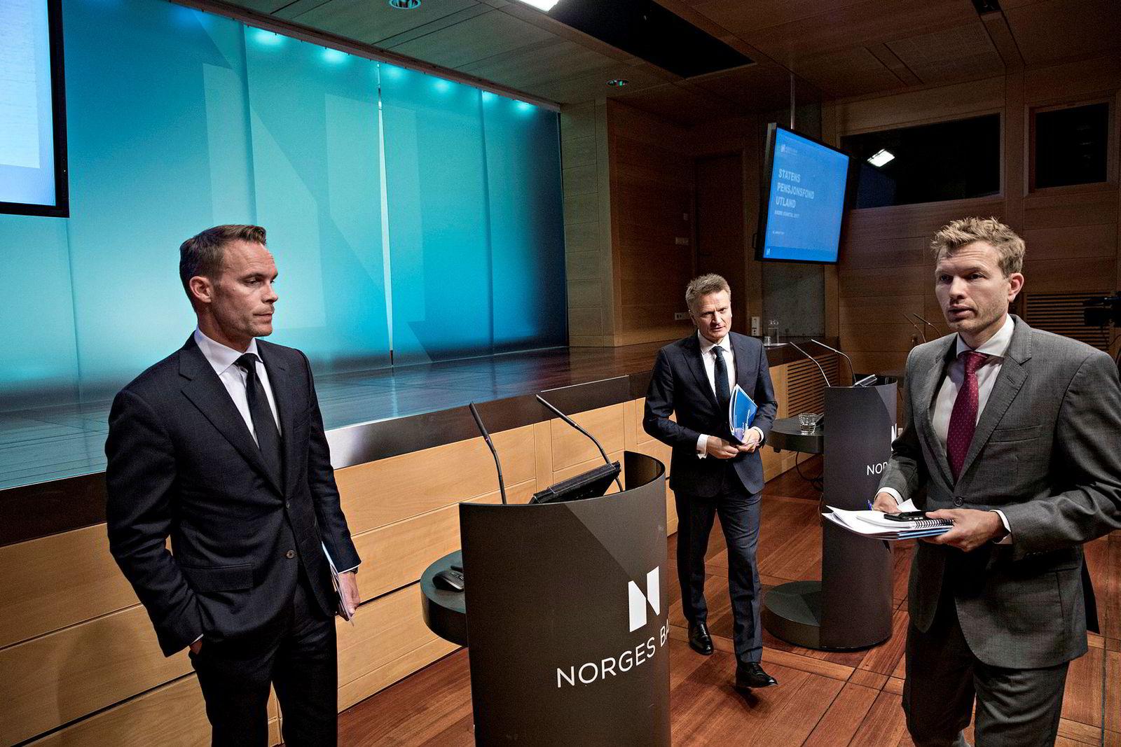 Trond Grande er nestleder i Norges Bank investment Management (NBIM). Her med Egil Matsen (i midten) og Thomas Sevang, kommunikasjonssjef.