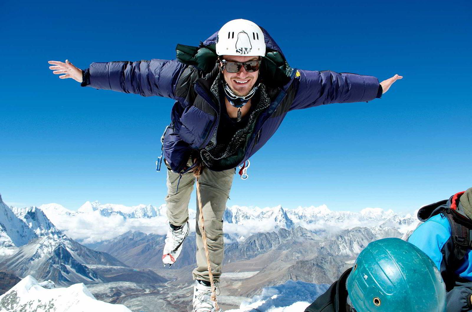 Torkjel Hurtig, her på toppen av Island Peak i Himalaya i Nepal.