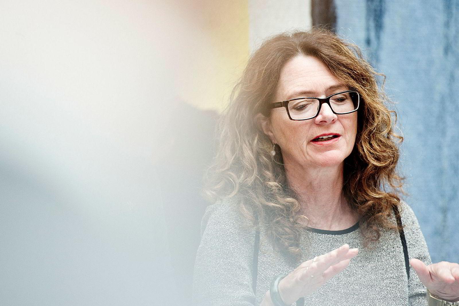 Arbeiderpartiets Ingrid Heggø har stilt spørsmål til Siv Jensen.