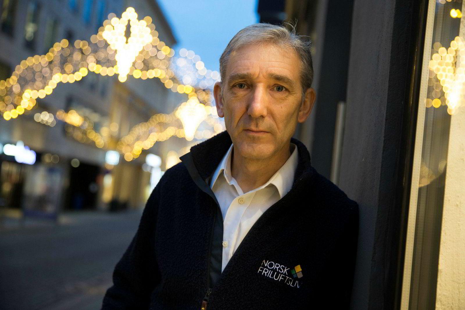 Daglig leder Lasse Heimdal i Norsk friluftsliv klager på Nordkapp kommunes avgjørelse om å la Rica Eiendom fortsett å kreve inn avgift for å besøke Nordkapp.