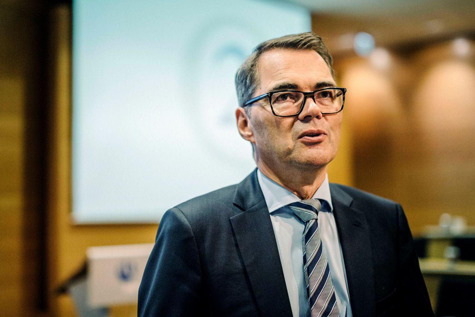 Hydros konsernsjef Svein Richard Brandtzæg er på flyet på vei til Norge etter møter med brasilianske myndigheter i Brasília.
