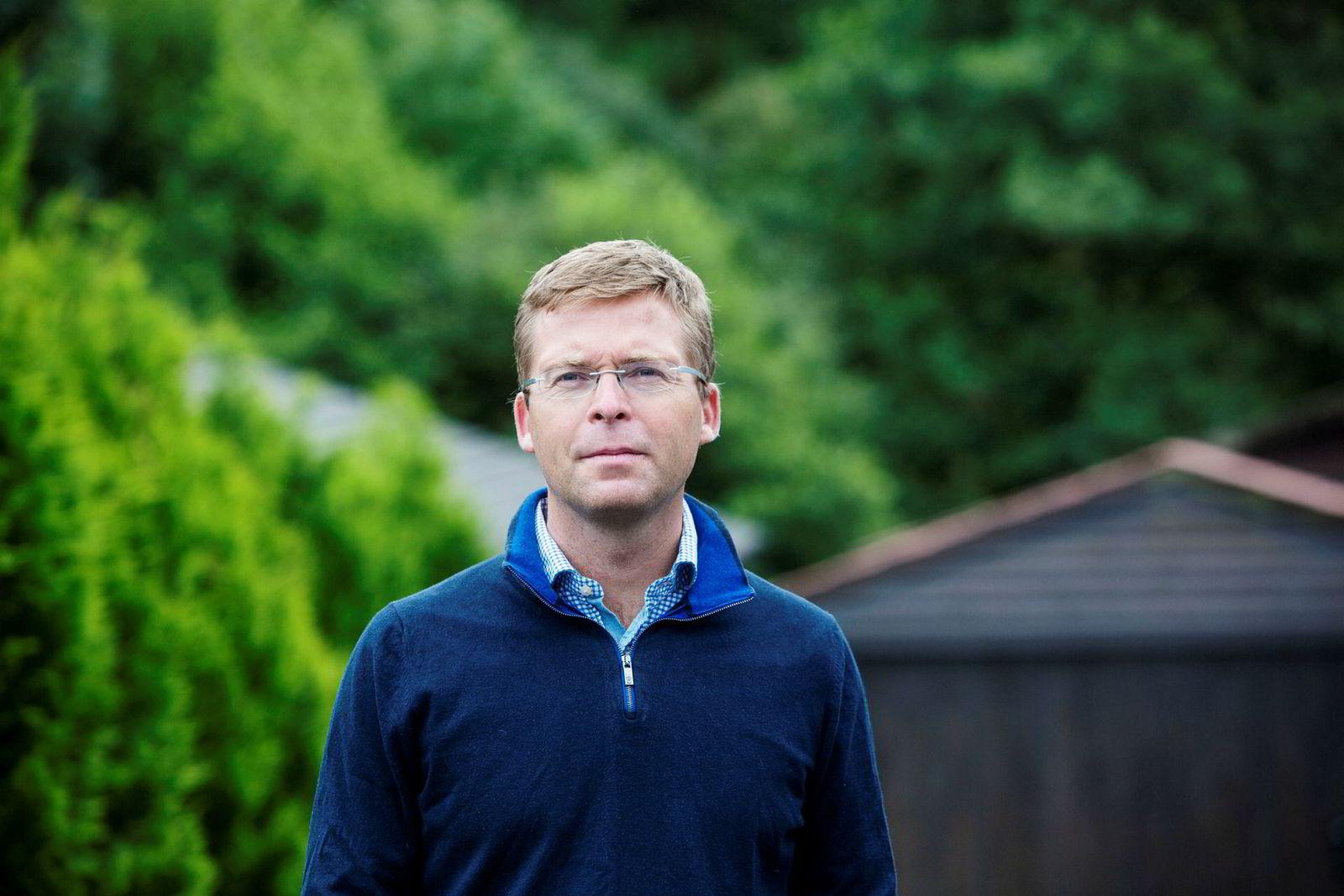 – Algoritmer og roboter gjør meg generelt skeptisk, sier finansprofessor Trond M. Døskeland ved Norges Handelshøyskole (NHH)