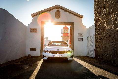 BMW 330e ladbar hybrid.