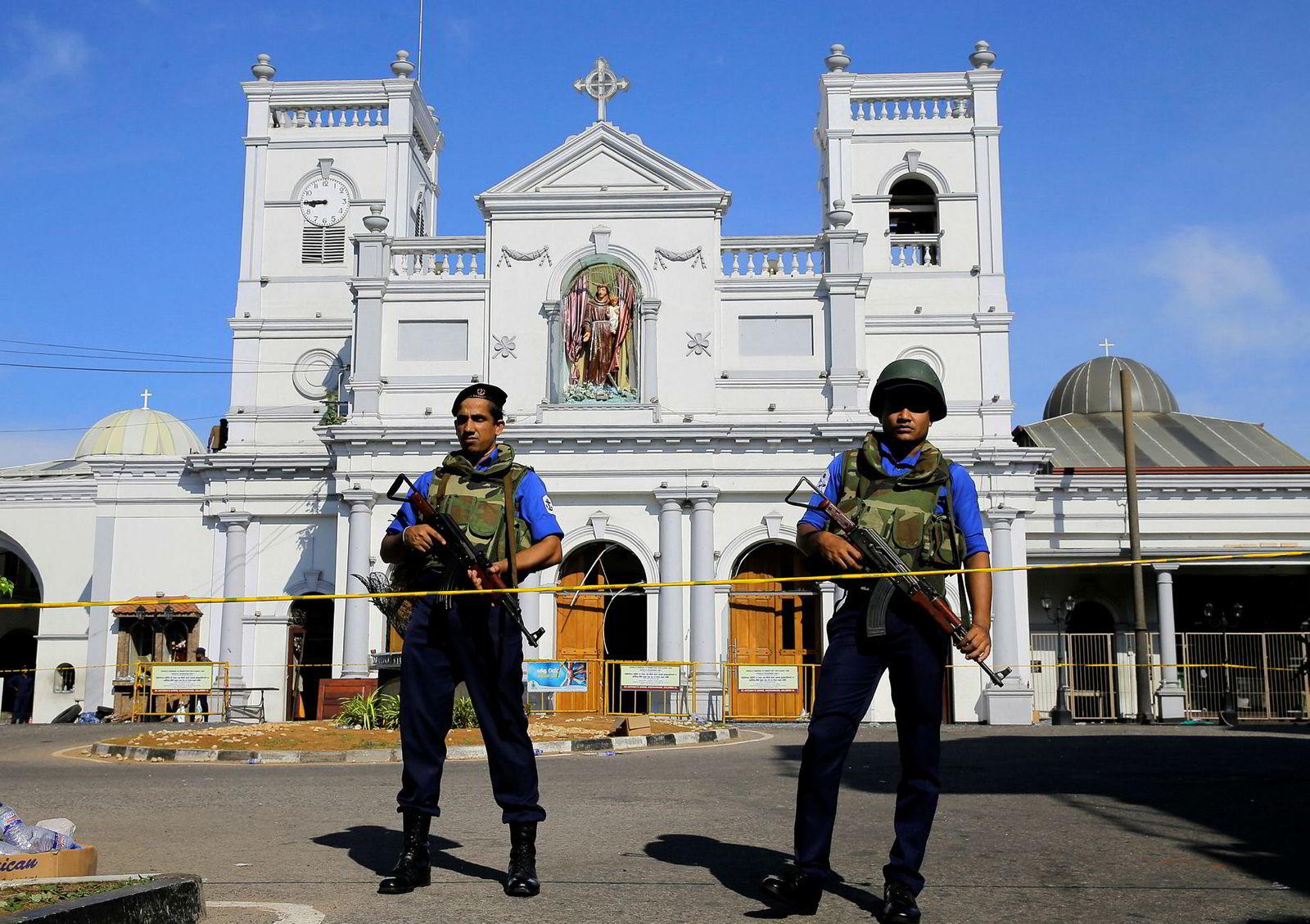 I tillegg til de seks kraftig bombene var det to mindre eksplosjoner noe senere på dagen. Den ene rammet et lite hotell sør for hovedstaden Colombo, der to mennesker ble drept.