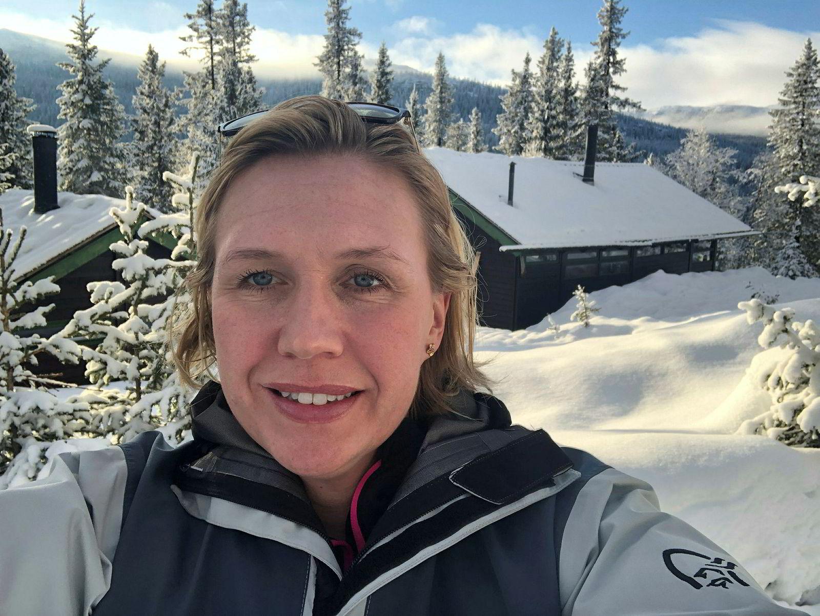 Trine Kopstad Berentsen, leder i bransjeforeningen Solenergiklyngen, har nettopp kjøpt hytte i Eggedal, men ikke fått opp solpanel der ennå.