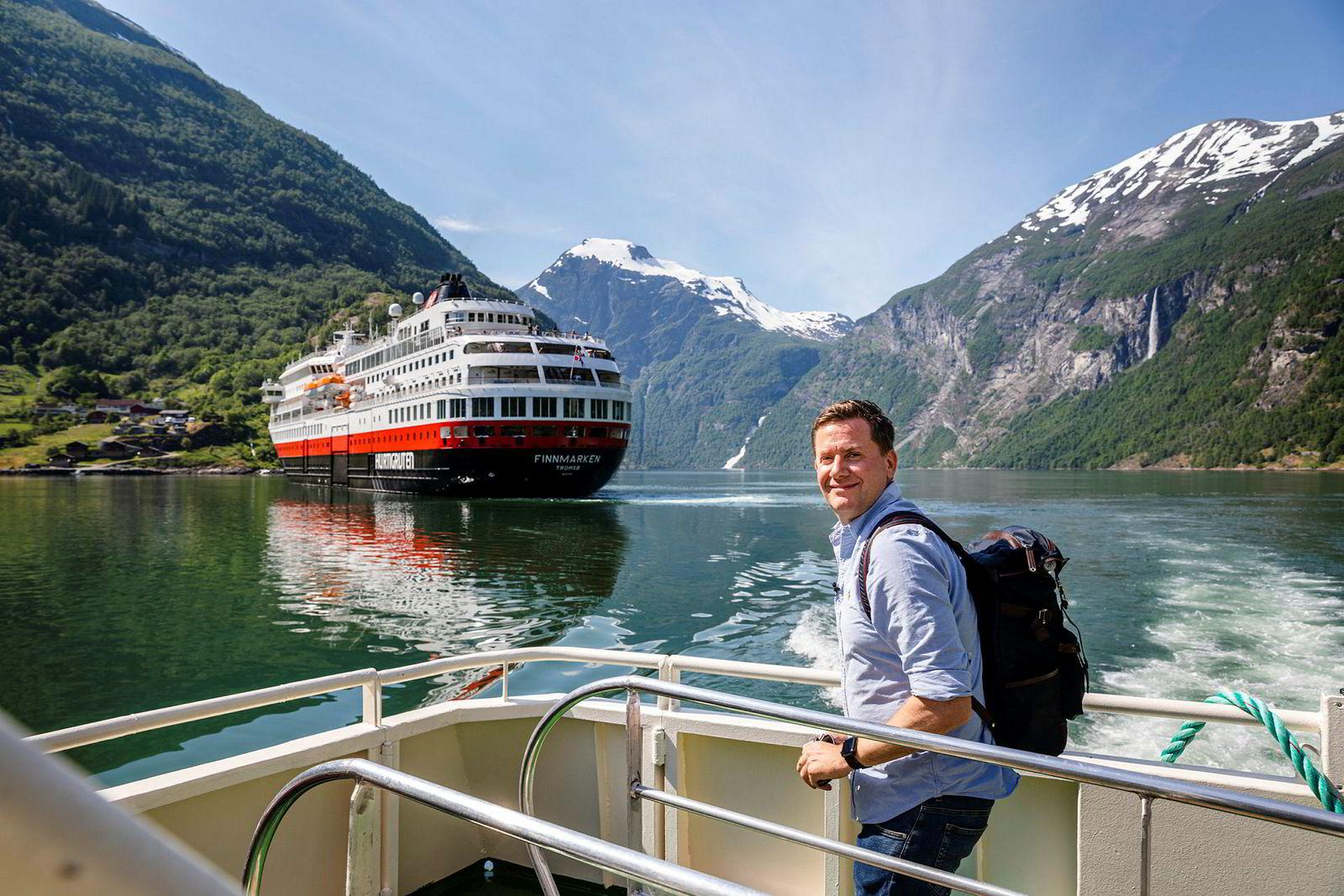 Daniel Skjeldam konsernsjef i Hurtigruten er svært fornøyd med at regjeringen letter på reiserestriksjonene.