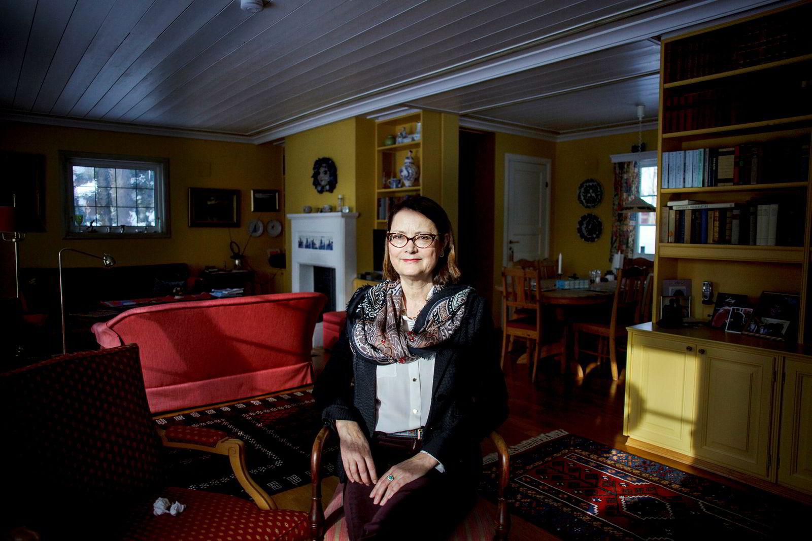 Esa-president Bente Angell-Hansen tar Norge til Efta-domstolen fordi hun mener Norge diskriminerer fedre.