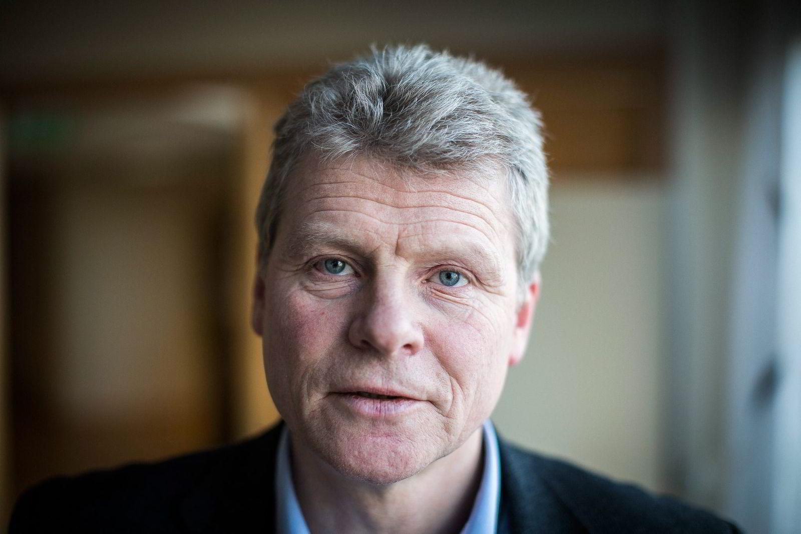 Førstestatsadvokat Sven Arild Damslora i Økokrim jakter på finansielle terrorspor for PST.