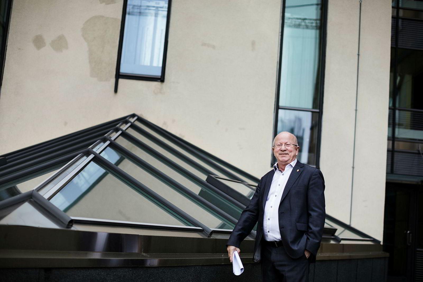 –Vi får veldig mye igjen da, sier direktør Torstein Olsen i Nkom om de høye norske mobilprisene.