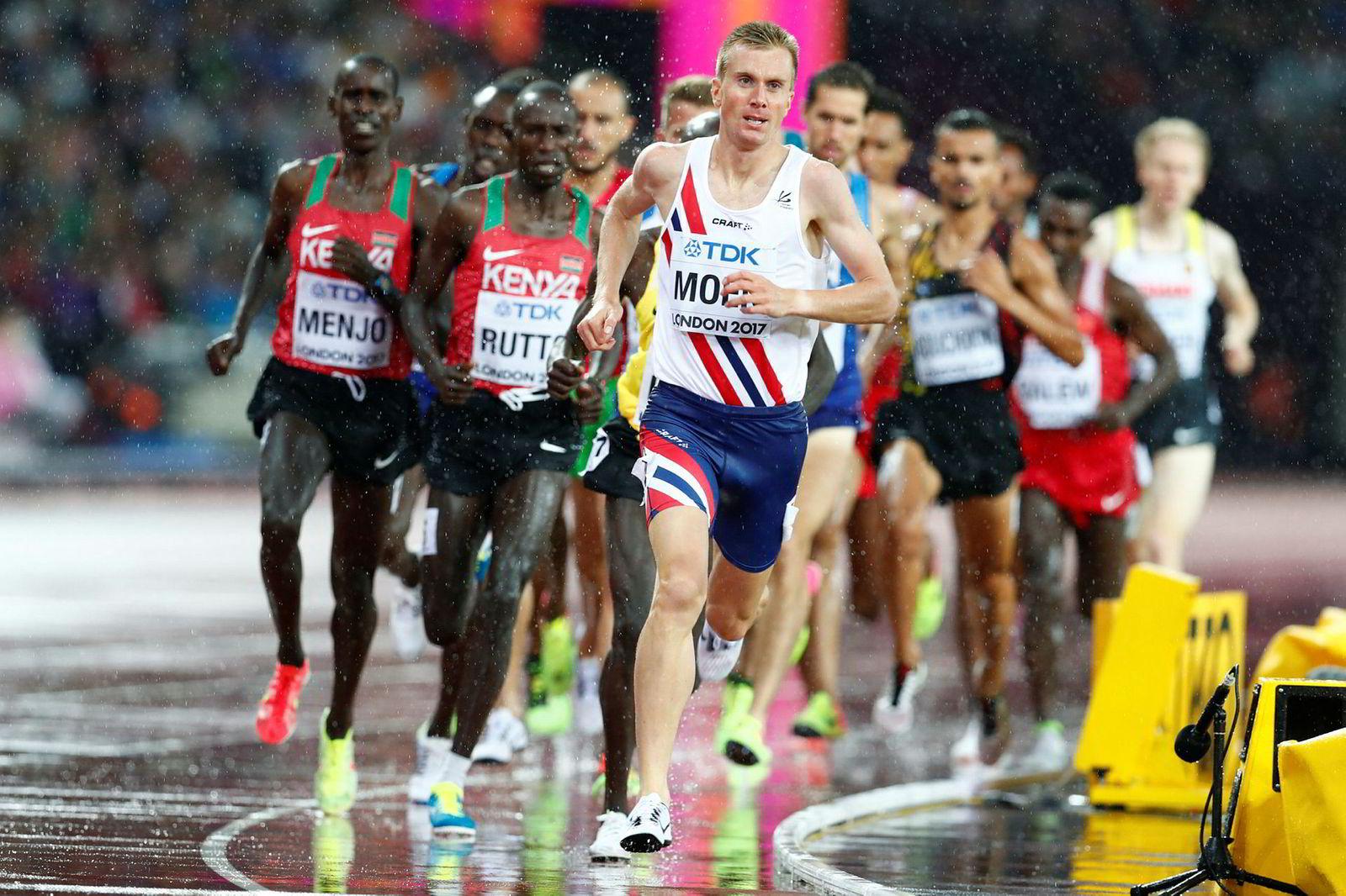 Sondre Norstad Moen satte opp et solid tempo i felt i forsøksheatet på 5000 meter under VM i friidrett i London sist sommer. De kortere løpene er brukt systematisk for å styrke tempoet til maratonløpene.