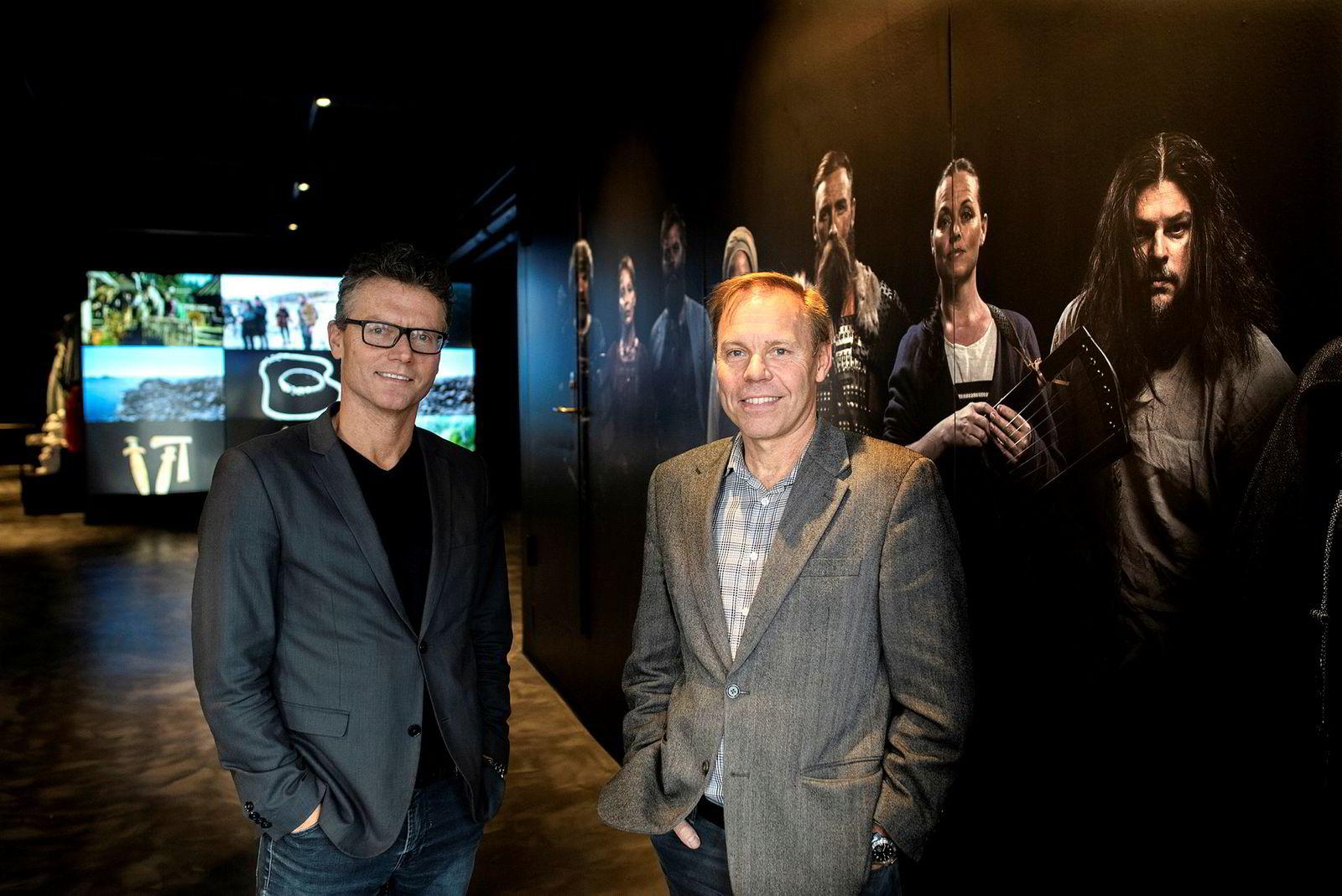 Investor Runar Eidsaa (til venstre) fra BOG Invest og Rasmus Ramstad, administrerende direktør i The Viking Planet i Oslo sentrum.