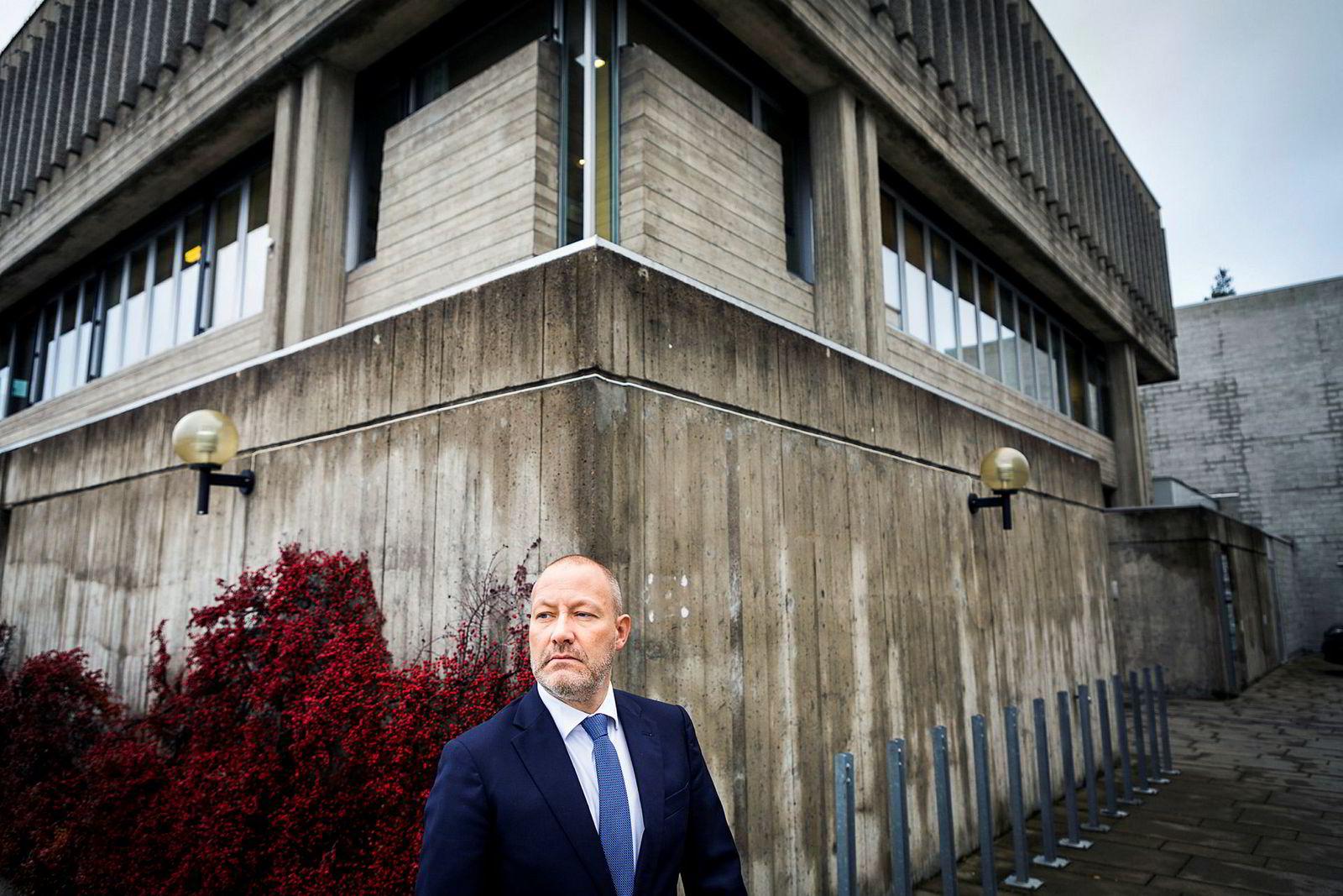 Advokat Andreas S. Christensen skulle i retten på vegne av konkursboet etter Norwegian Wood-festivalen neste uke. Nå er det usikkert om saken blir noe av.