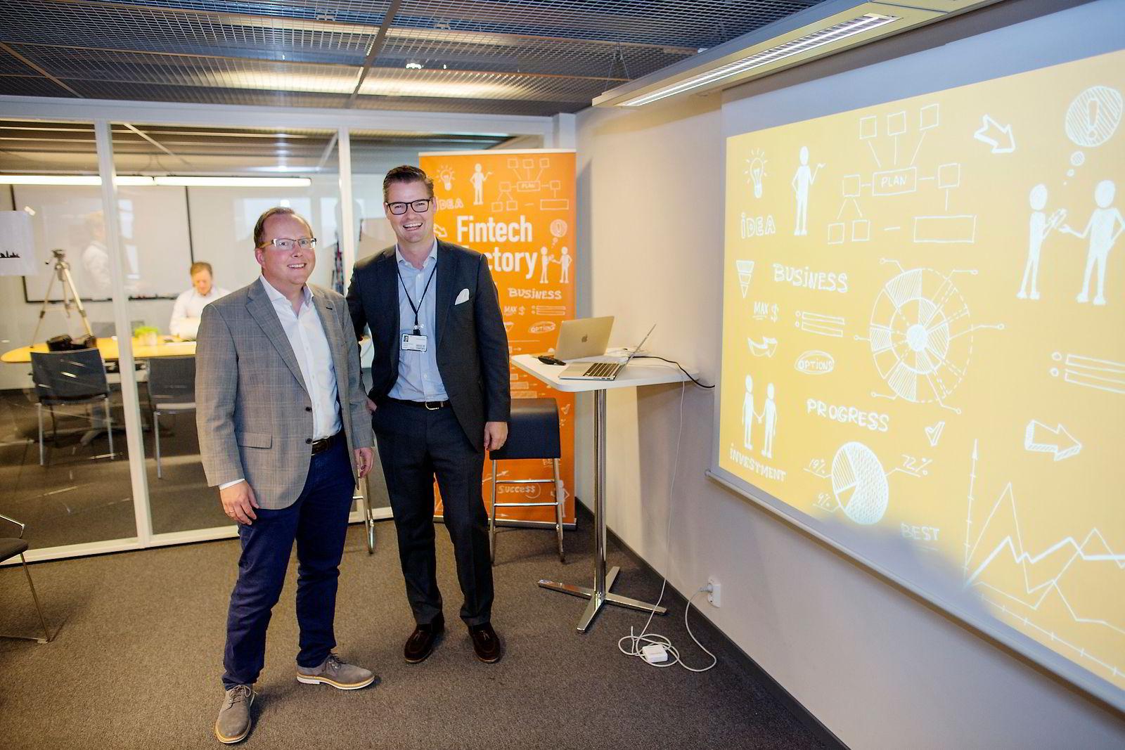 Hans Christian Bjørne programdirektør (til venstre) og Ingar Bentsen daglig leder i Fintech Factory. Foto: