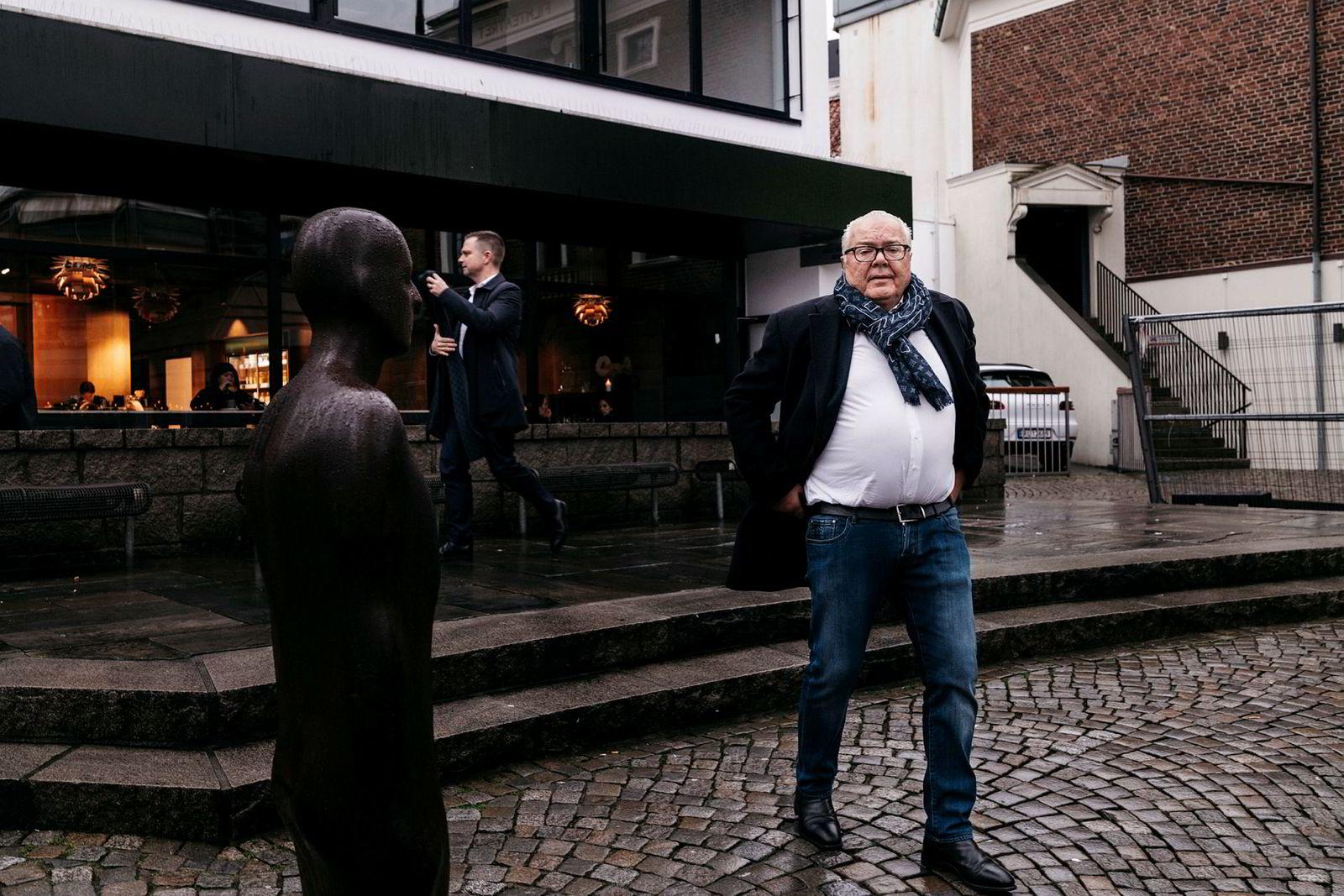 I Stavanger kalles Morten Bjørnsen for «slipsselgeren». Noen mer kjent handelsmann i Stavanger finnes ikke.