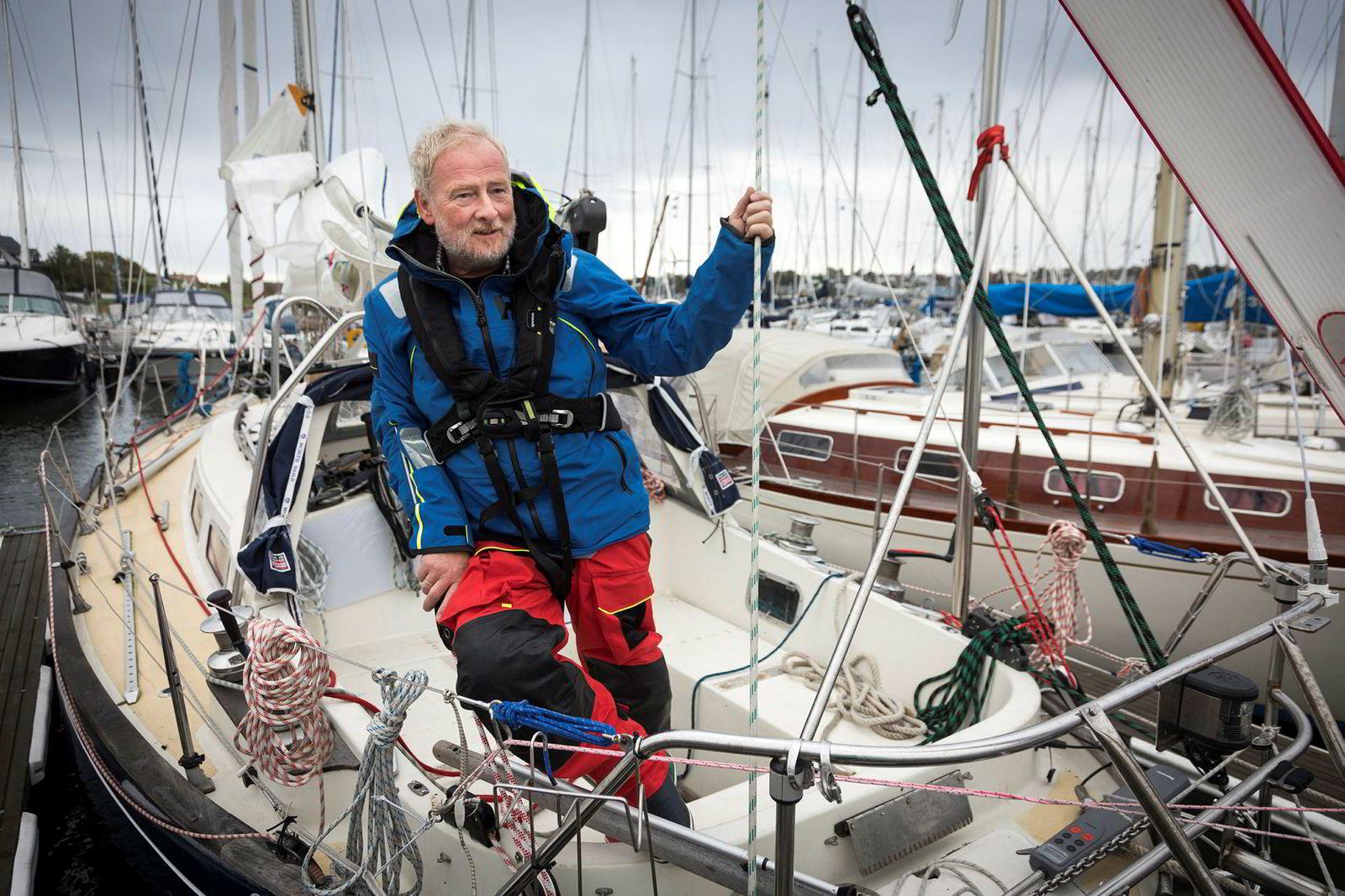 Wiig har jobbet lenge med å tilpasse sin OE32-klasse-seilbåt til konkurransereglene i Golden Globe Race. Her har han lagt til kai på Jeløya utenfor Moss.