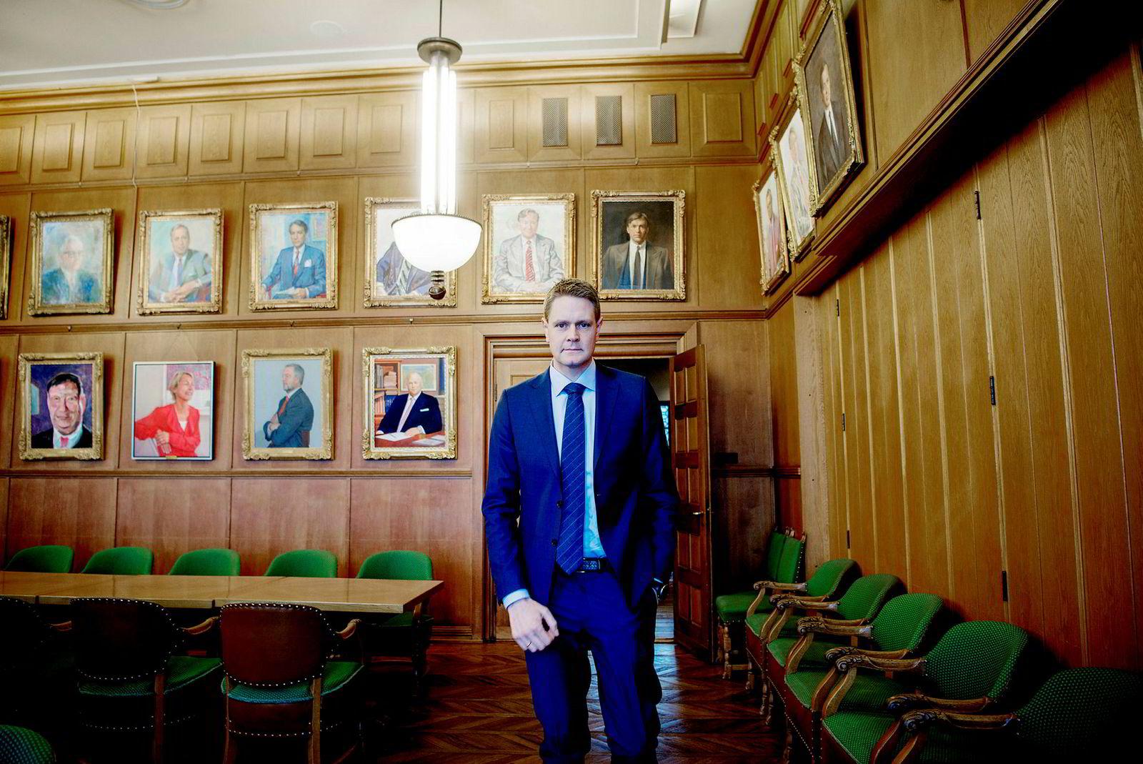 – Det vil ikke fungere i praksis, sier Harald Solberg i Norges Rederiforbund om nye regler som pålegger bedriftene å samle inn bruk av bonuspoeng på fly, hotell og leiebil.