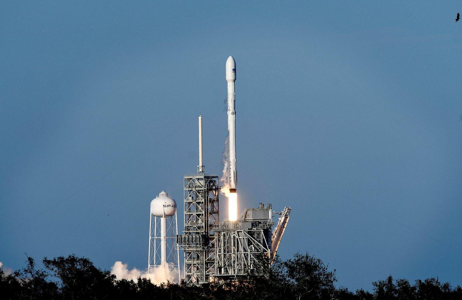 For litt over en uke siden skjøt SpaceX i samarbeid med Nasa raketten Falcon 9 til den internasjonale romstasjonen.