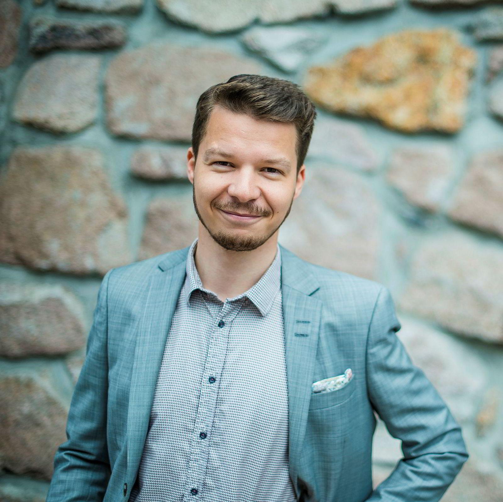 Produkt- og salgssjef Ivan Solhaug i Vårt Land.