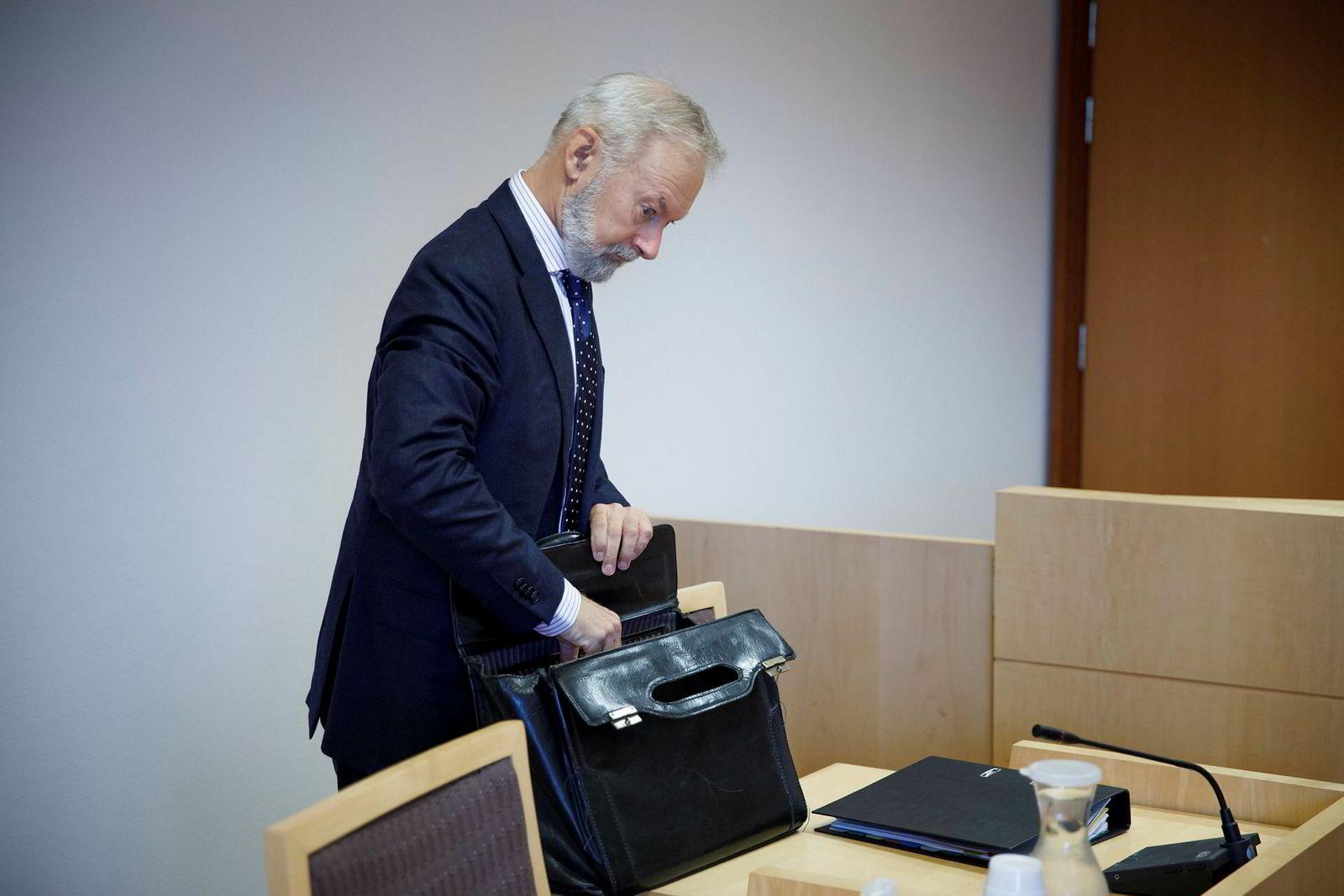 Johan Kristian Falk-Pedersen, advokat for Fort Knight Group, ba Filago om å legge noe mer konkret på bordet i rettsmøtet.