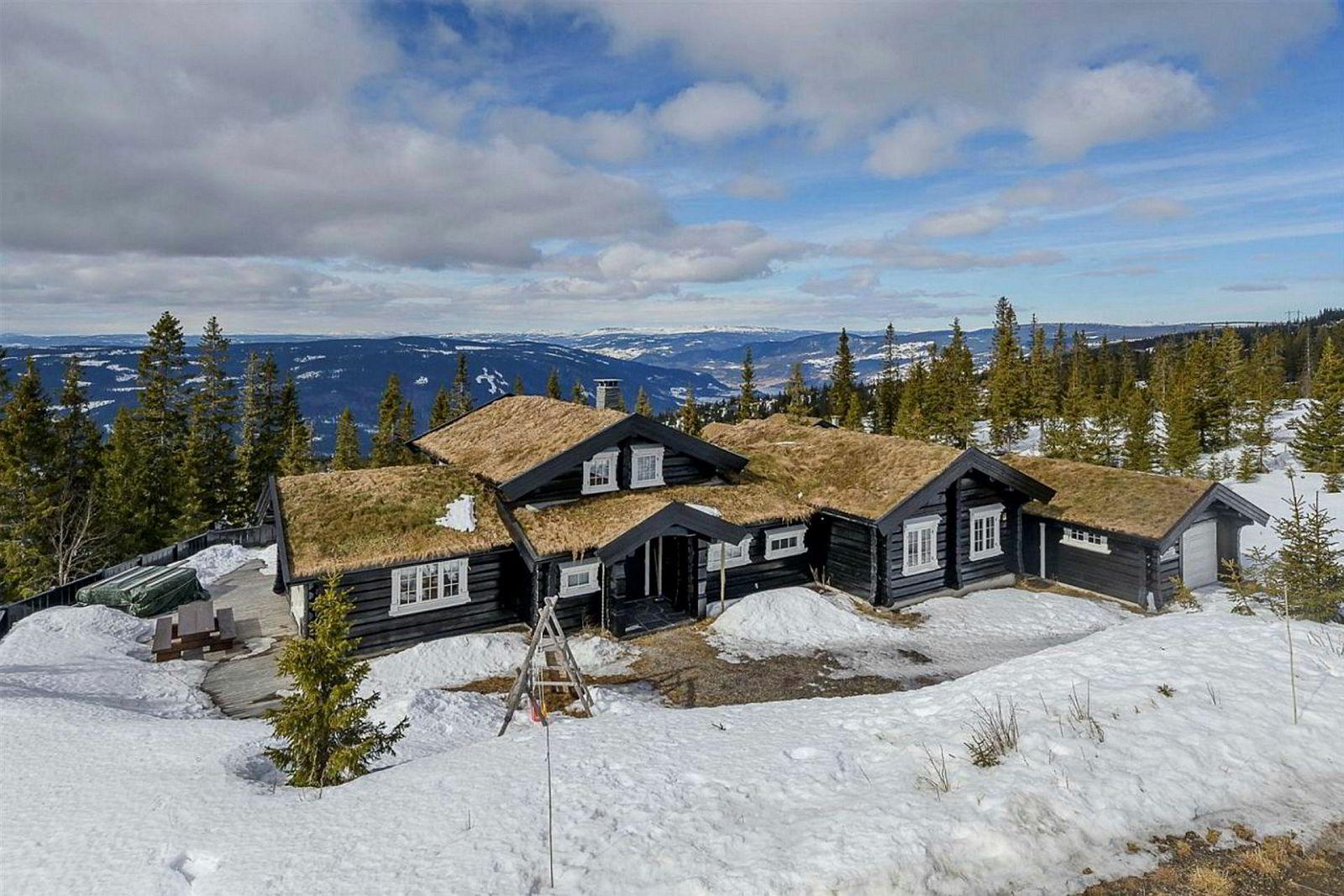 Hytte på 168 kvadratmeter i Nedre Vesleslåa 22 på Hafjell. Prisantydning 7,5 millioner kroner.