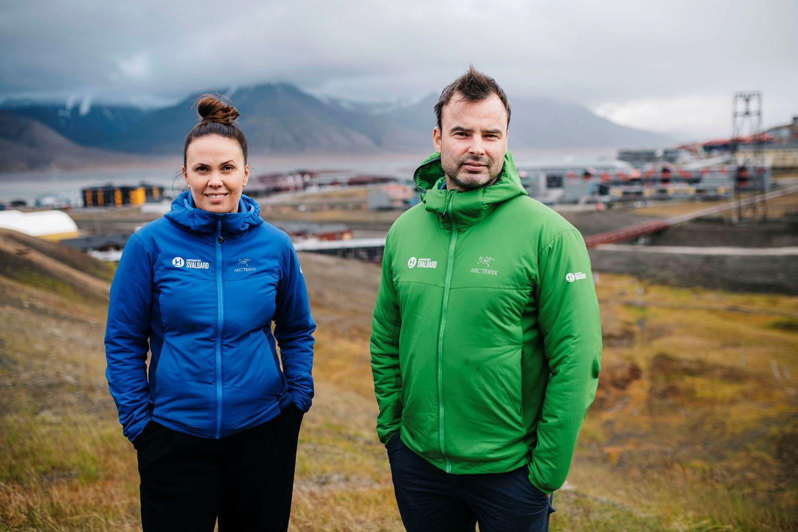 Åsa Gahns og Eskil Solberg i Hurtigruten Svalbard merker tydelig at bedrifter ønsker seg aktive reiser og mer ekstreme opplevelser.