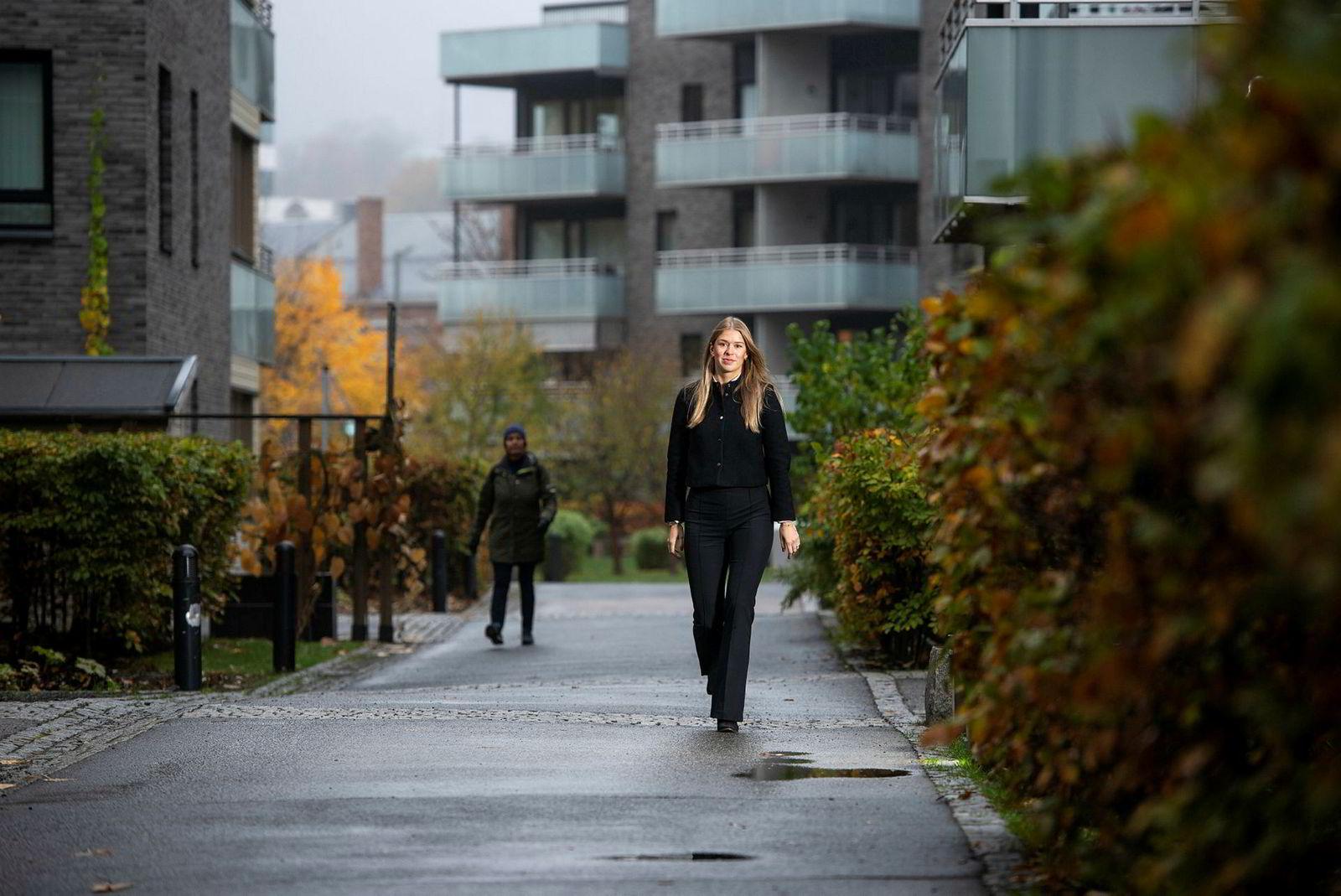 Siviløkonom Frid Svendsen (25) har fått ny jobb.