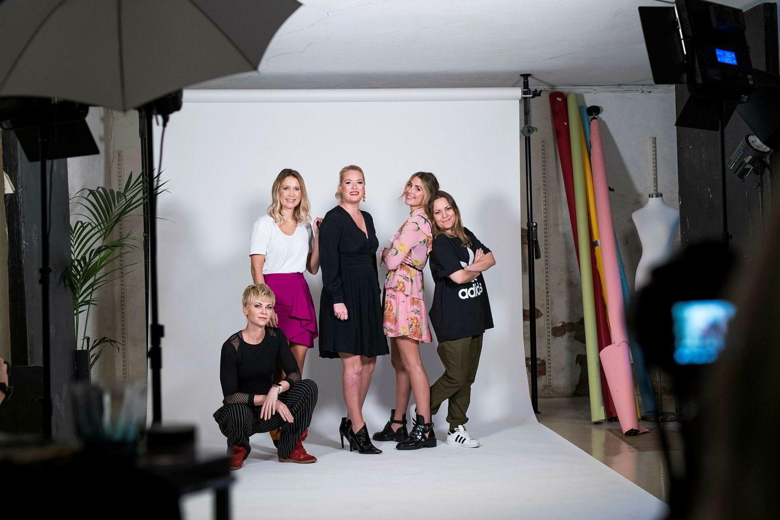 Bertine Zetlitz (fra venstre) , Line Langmo, Nina Wang Gaarder, Tone Damli og Anne-Grethe Starheim lanserte nettmagasinet Dailystory i fjor.