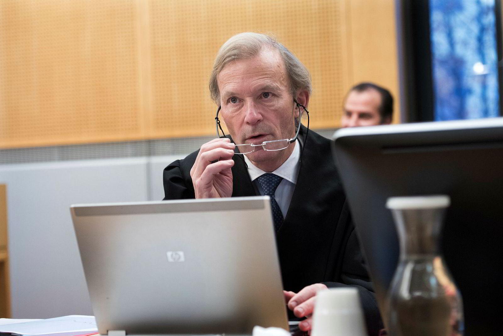 Advokat Frode Sulland er forsvarer for Trond Aas, Funcoms tidligere konsernsjef.