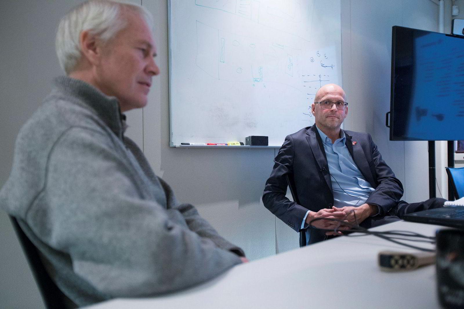 Prox ble grunnlagt i 2008, men Petter Muren (til venstre) hadde hatt fly og helikoptre som hobby siden han var seks år – nå er han 55 år. Administrerende direktør Gudmund Kjærheim til høyre. Foto: Javier Auris