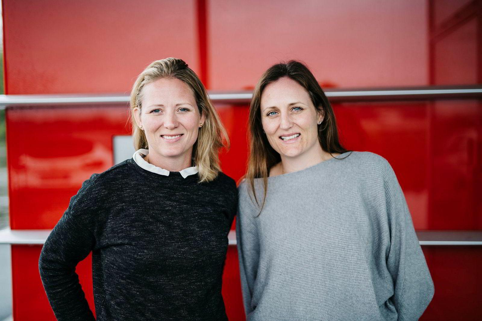 – Forbrukeren fortjener noe mer å velge mellom, sier daglig leder Jannike Isachsen i Mere Mat til høyre. Ved hennes side står søster og styreleder Elisabeth I. Rye-Florentz i selskapet.
