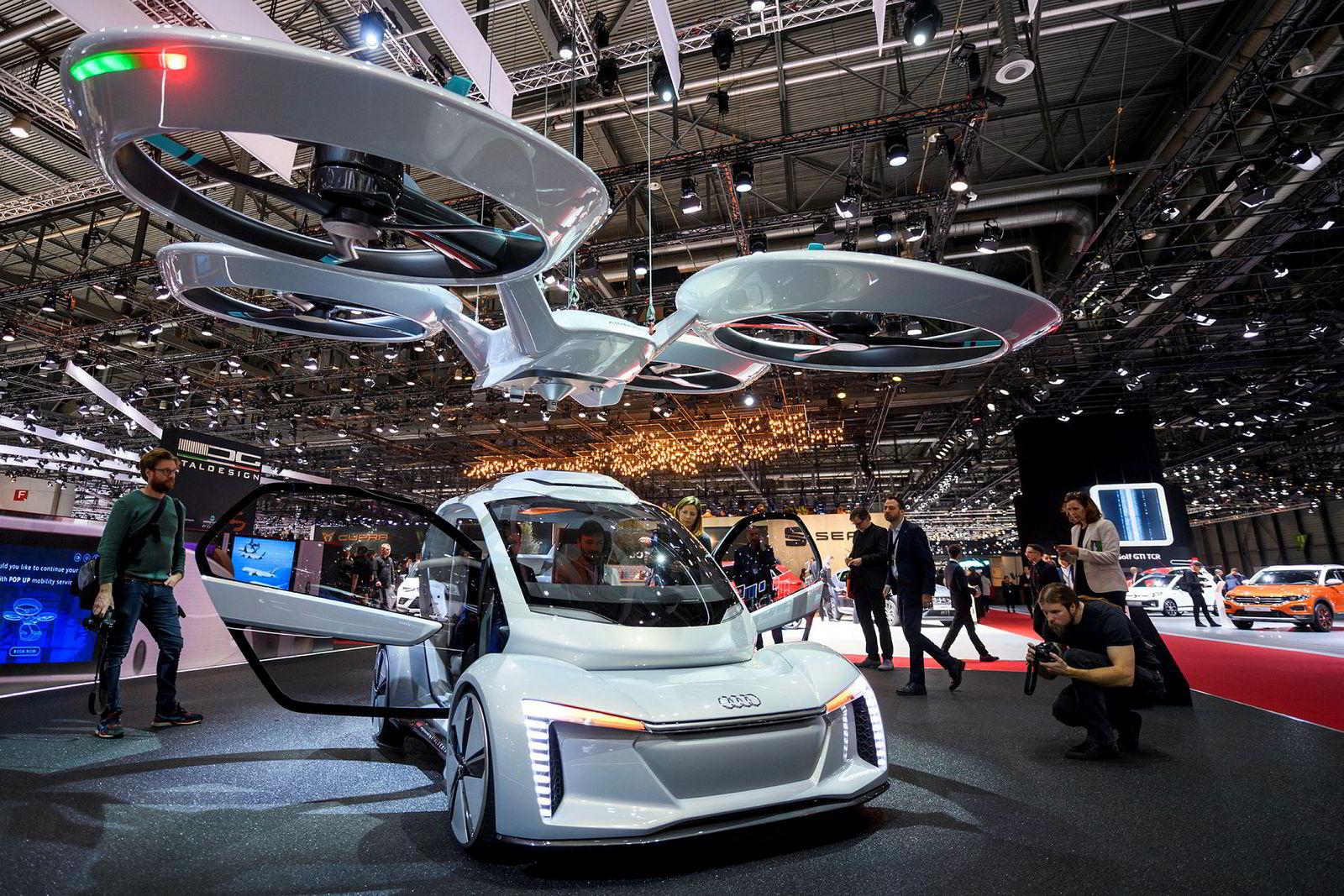 Andre versjon av Italdesign Pop.up står i disse dager i Genève 2018. Bilen er et samarbeid mellom Italdesign, Audi og Airbus.