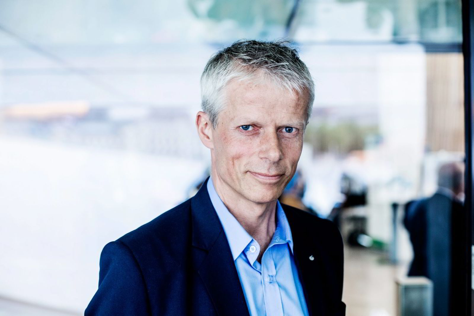 OPPHEVER KRAVET. Hans Christian Holte, skattedirektør.