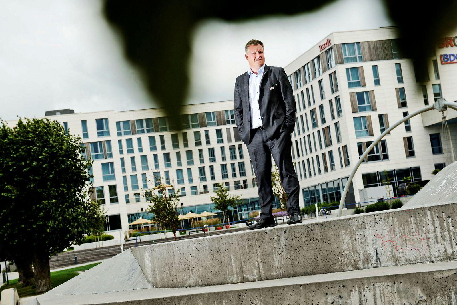 Håvard Solum har hatt en tøff vinter som hotelldirektør på Scandic Kristiansand Bystranda,
