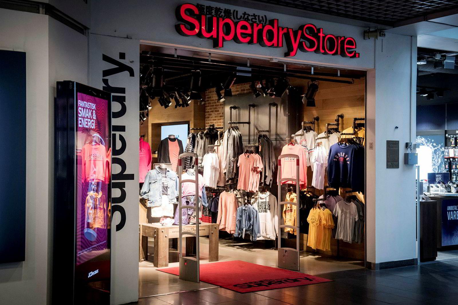 Her er Superdry-butikken på Oslo City den dagen konkursen var en realitet. I noen av butikkene var det konkurssalg like etterpå.