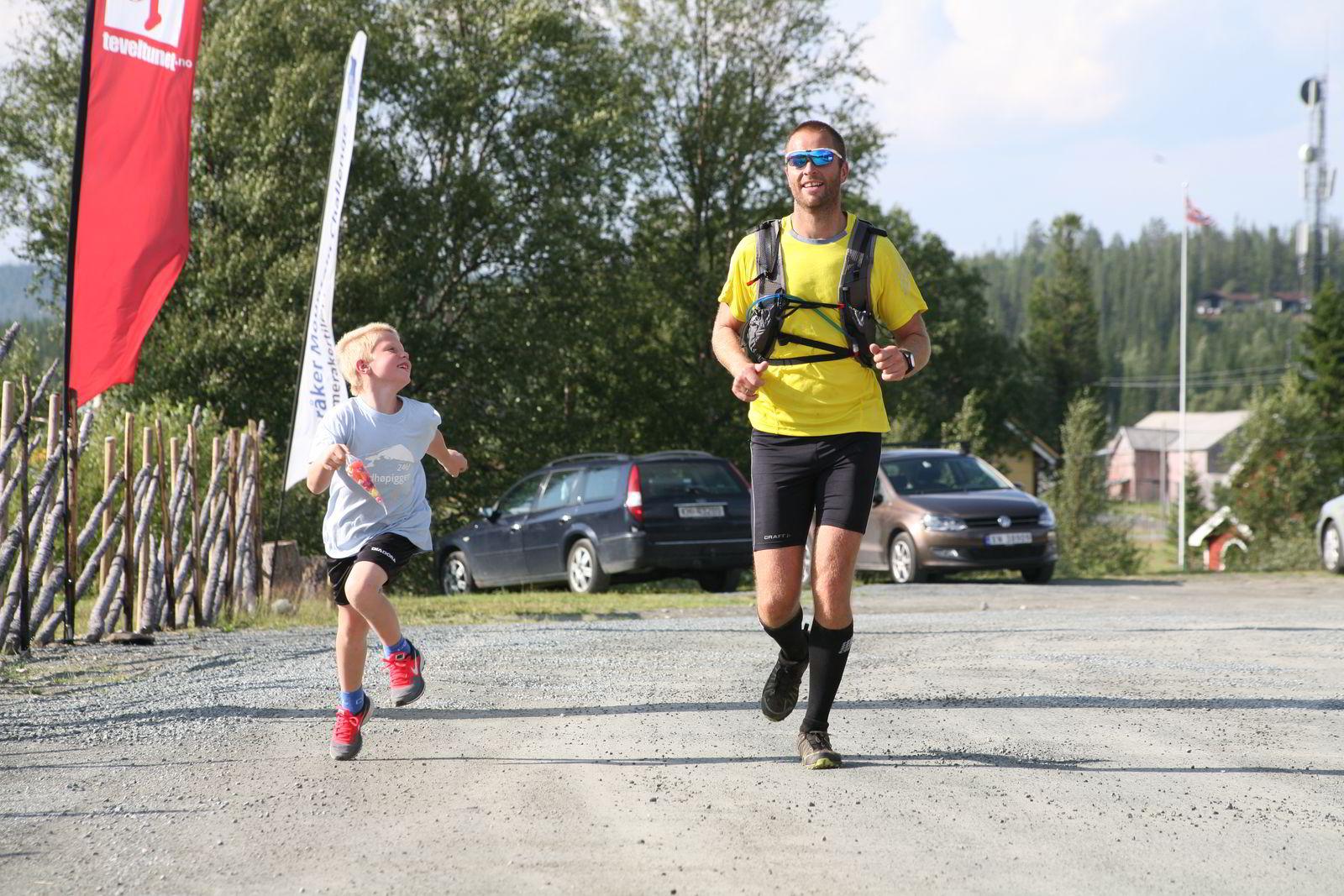HISTORISK VINNER: Svein-Olav Lindset vant historiens første maratonklasse i Meråker Mountain Challenge i helgen. FOTO: Hallgeir Martin Lundemo
