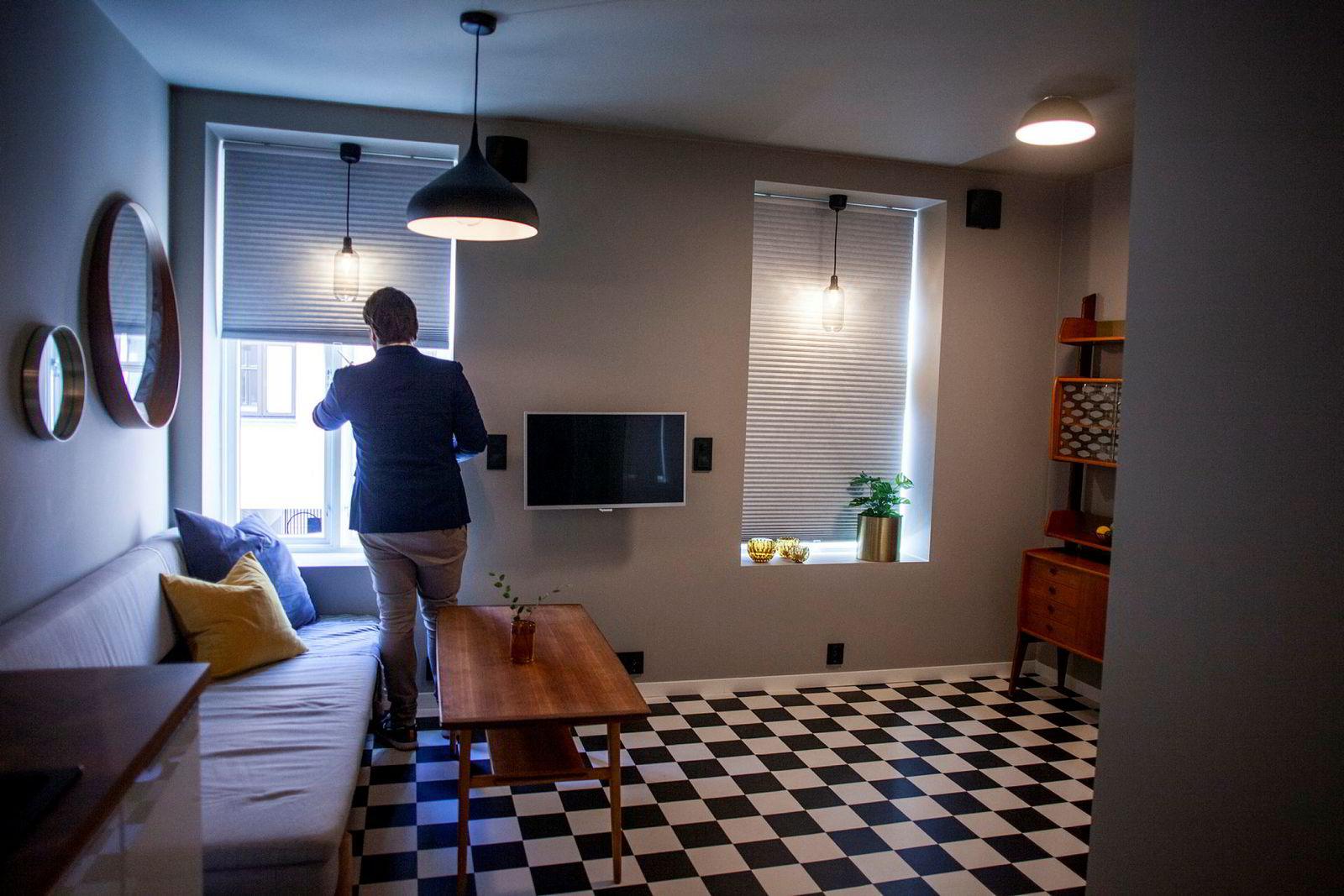 Små leiligheter går raskere enn større leiligheter, sier eiendomsmegler Haakon Telle Bøe.