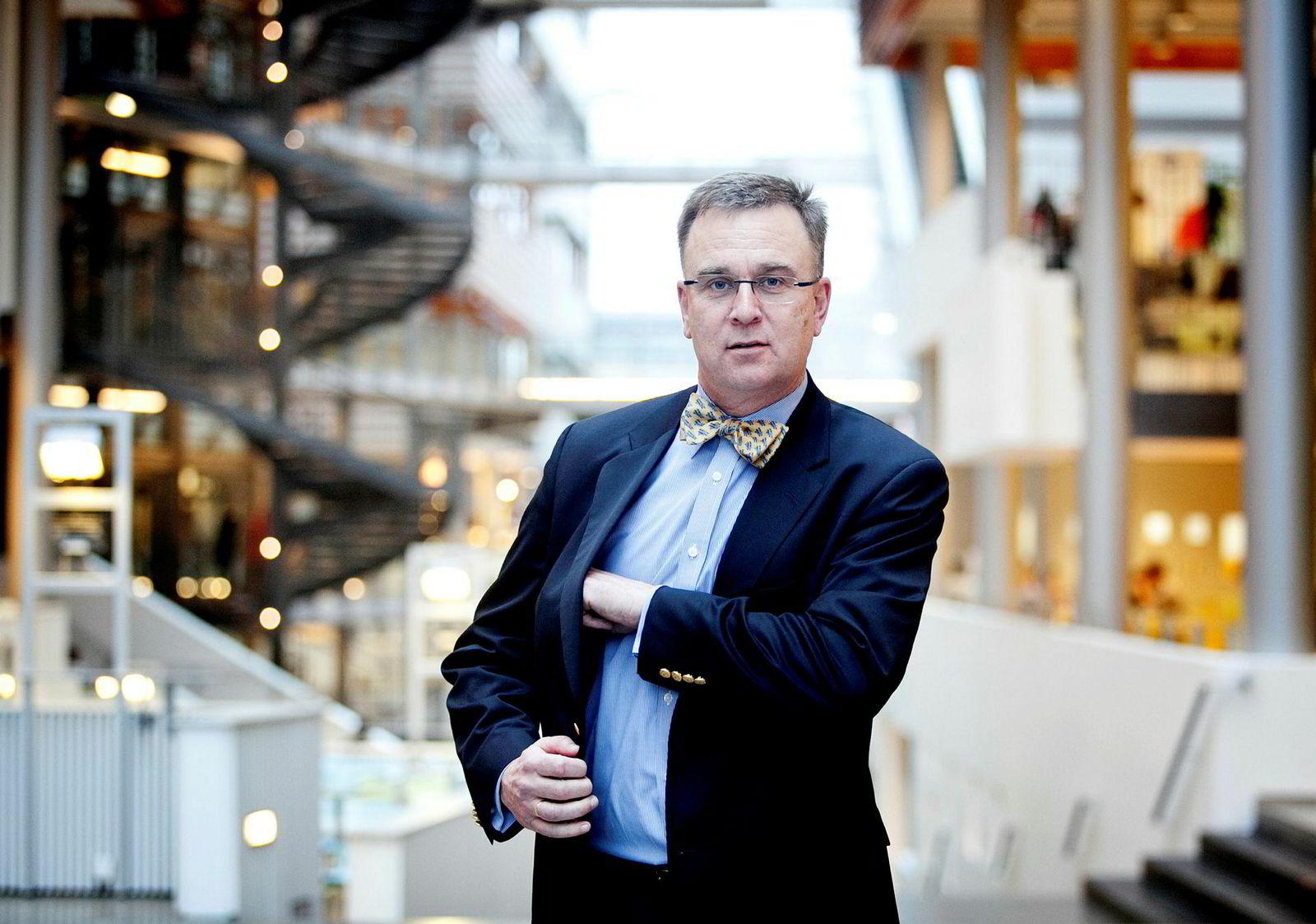 Espen Andersen, førsteamanuensis ved Handelshøyskolen BI og direktør for senter for digitalisering (Oslo). En viktig kilde til innsikt om digitalisering og nye forretningsmodeller gjennom 22 år ved BI. Er direktør for Senter for digitalisering, et forskningssenter som skal hjelpe bedrifter å utvikle og gjennomføre strategier for å utnytte digital teknologi for vekst og komparative fordeler. Andersen er selv utdannet siviløkonom ved BI, og har en grad fra Harward Business School.